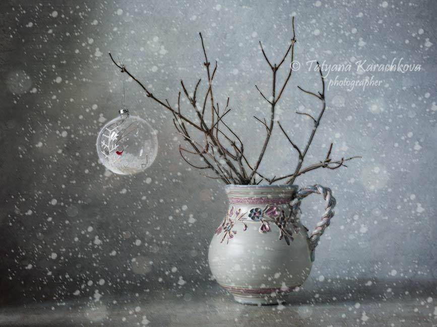 зима, натюрморт, ветки, кувшин, елочная игрушка, Карачкова Татьяна