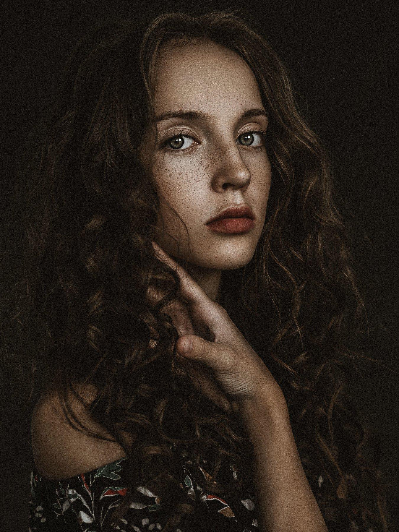 portrait, fineart, retouch, high end, girl, eyes, hair, freckles, Krzysiek Śliwaq