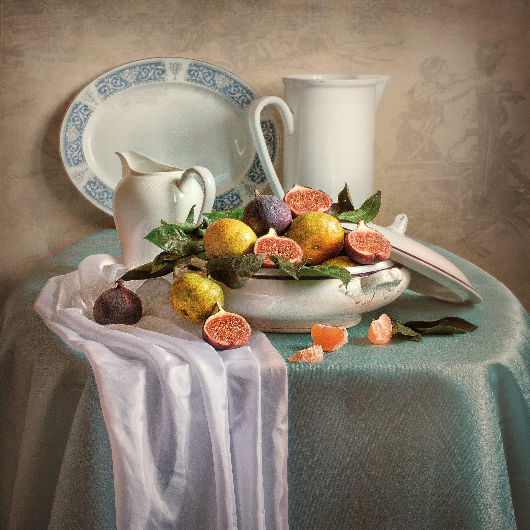 С фарфором и фруктами Анна Петина
