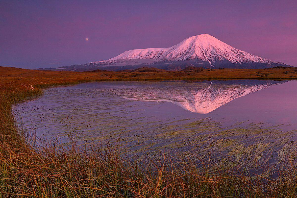 Камчатка, вулкан, пейзаж, природа, путешествие, россия, осень, закат, озеро, луна, Денис Будьков