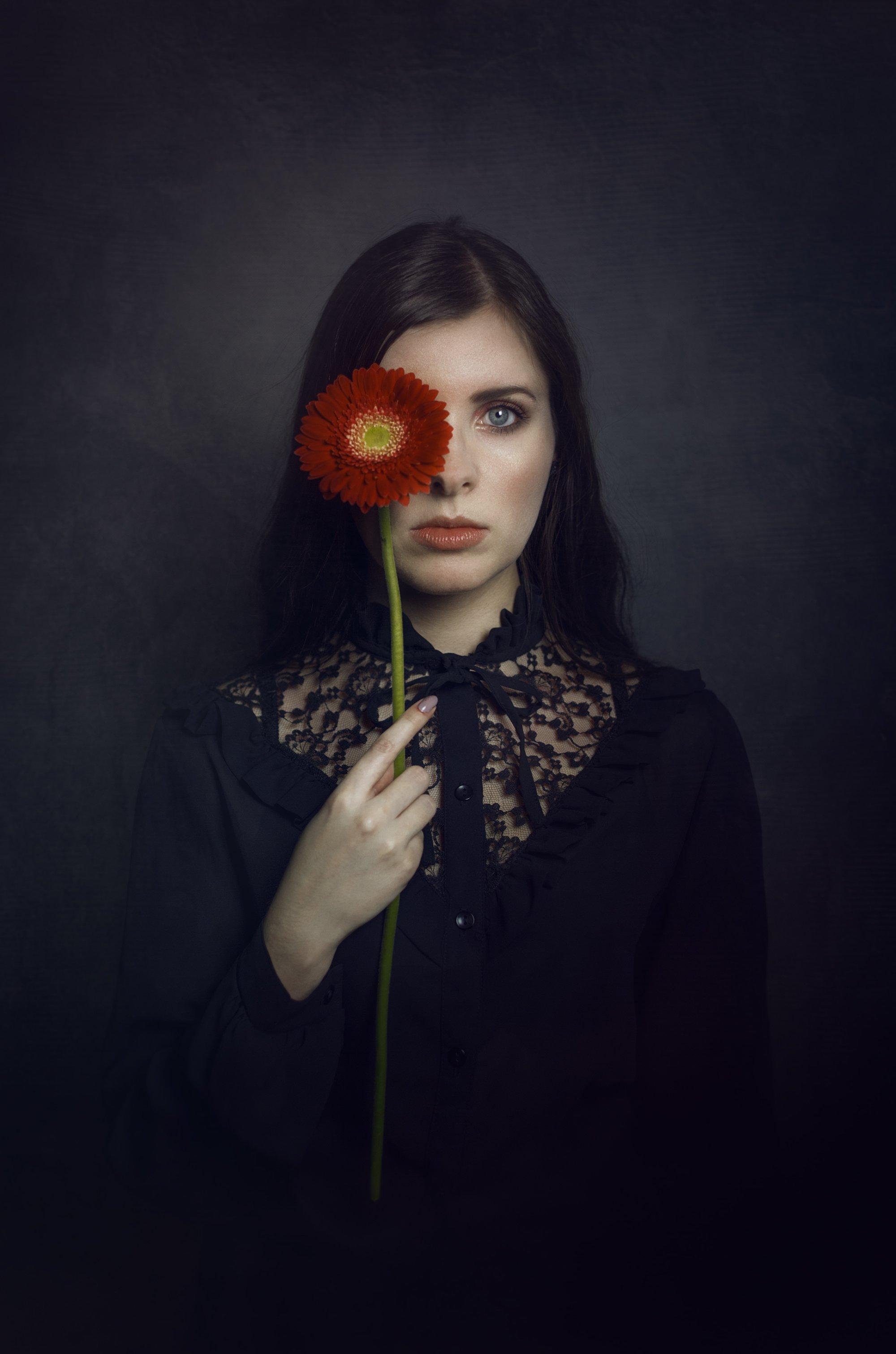 flower model portrait mood studio, Izabela Nowakowska