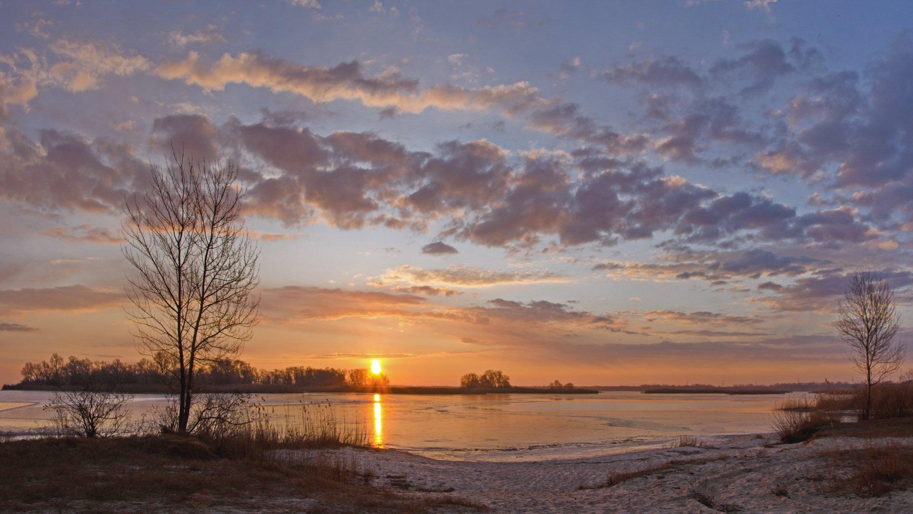 зима, утро, восход, река, лёд, проталины, Валерий Наумов