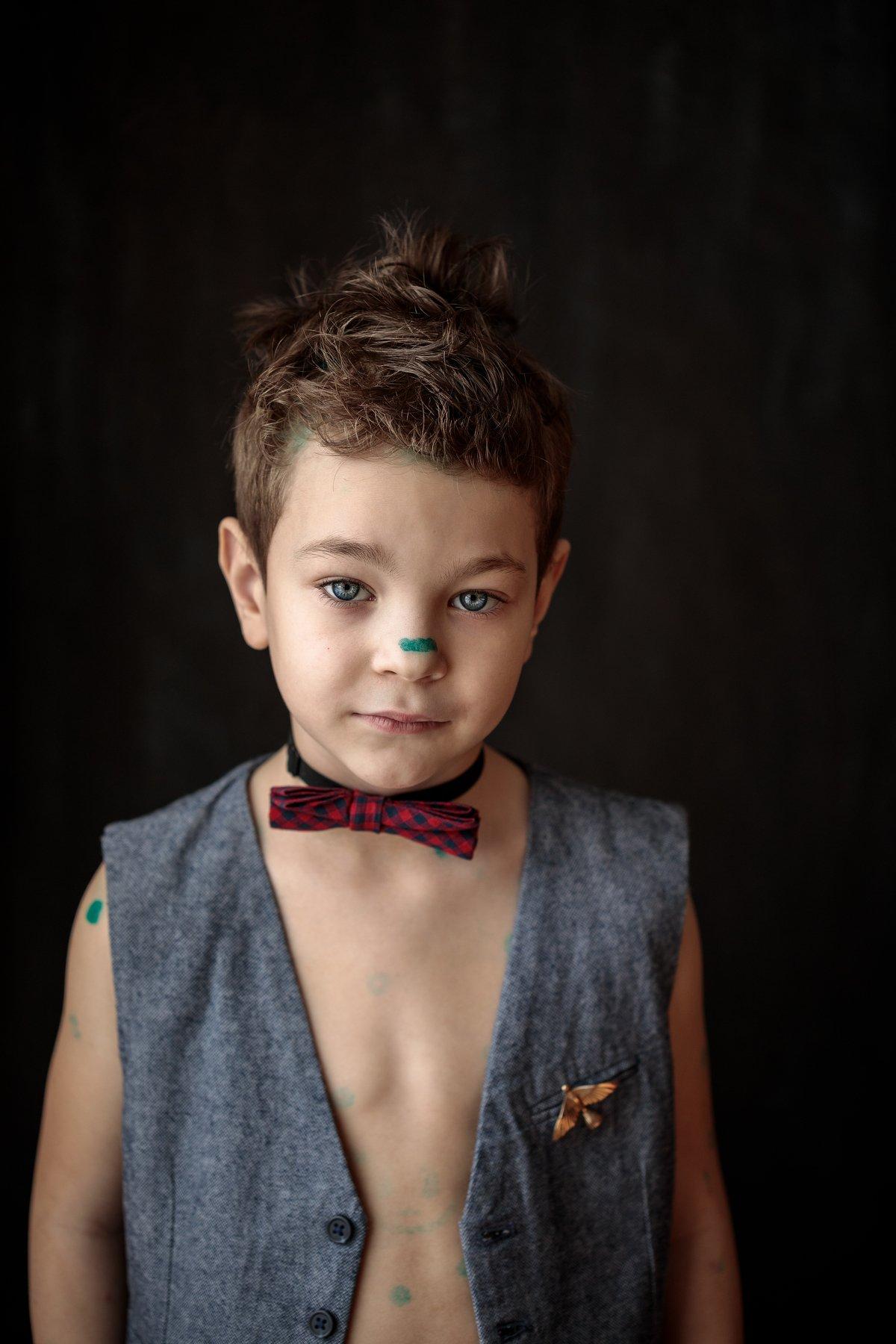 Ветрянка ребенок улыбка бабочка мода жилет птица брошка пуговицы мода зеленка, Алёна Постникова
