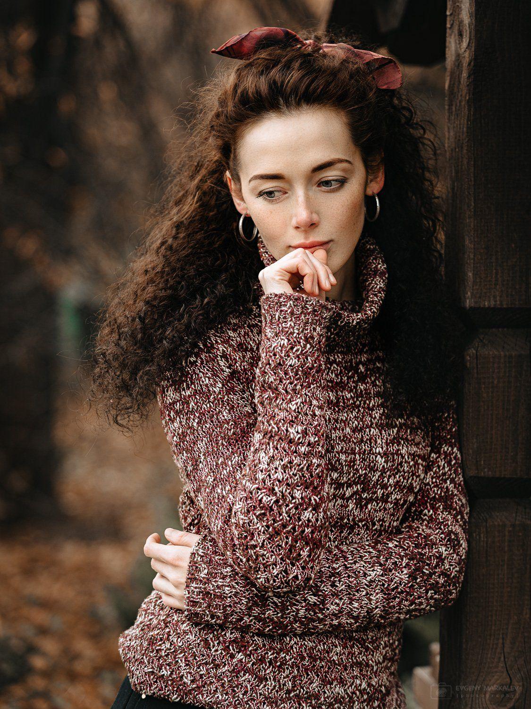 девушка, портрет, пленэр, осень, листопад, Евгений Маркалев
