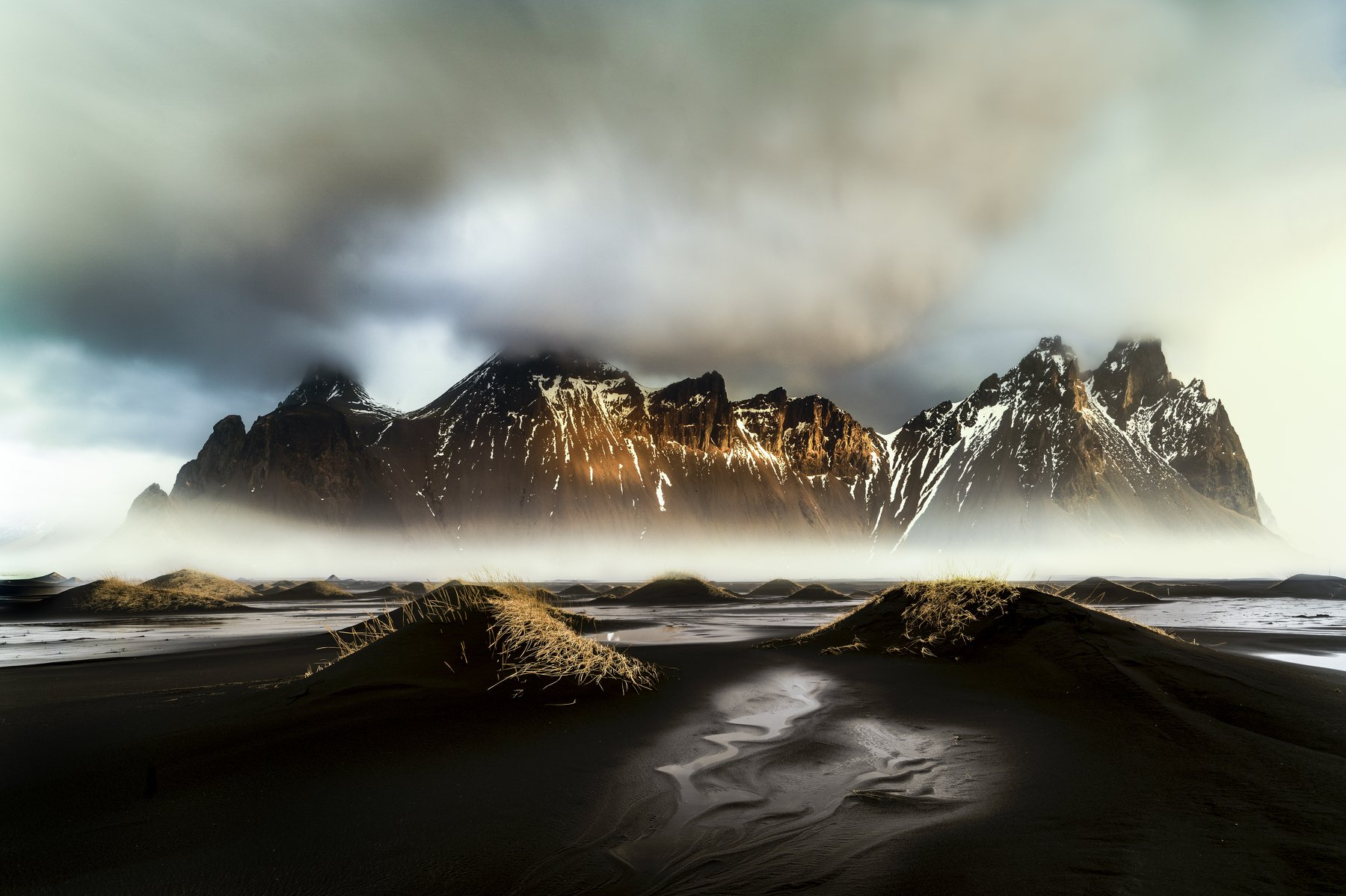 iceland,vestrahorn,mountain,mist,fog,travel,nikon d810,zeiss 21mm,black sand,, Felix Ostapenko