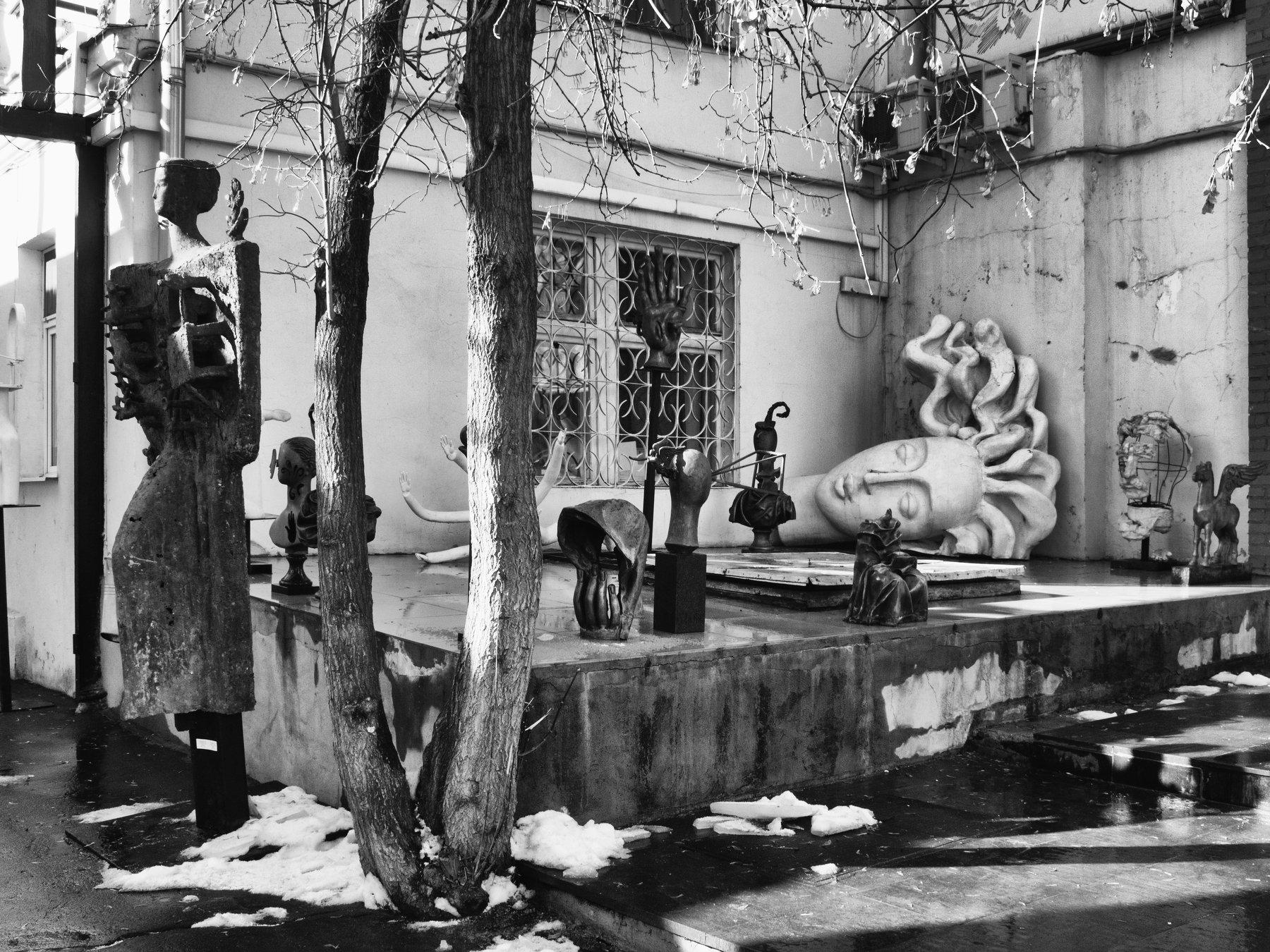 Moscow, Russia, Black and white, Monochrome, Surrealism, Sculpture, Museum, Elena Beregatnova