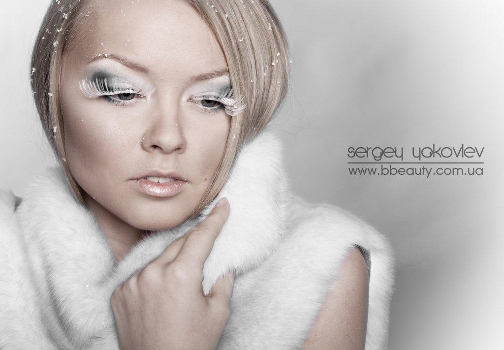 красивая девушка, портрет, холод, снежинки, шуба, зима, Сергей Яковлев