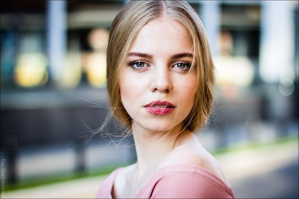 girl,portrait,light,beauty,fashion,eyes,moscow,свет,портрет,девушка,москва, Ronrevuald