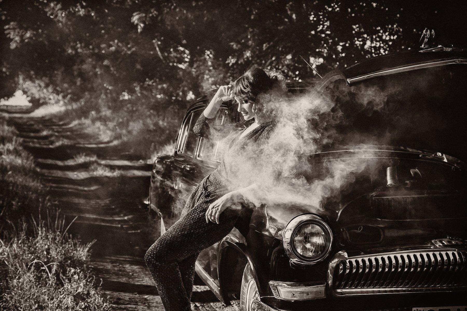 ретро,авто, дым, модель, сепия, черно-белое, поломка, Мария Братан