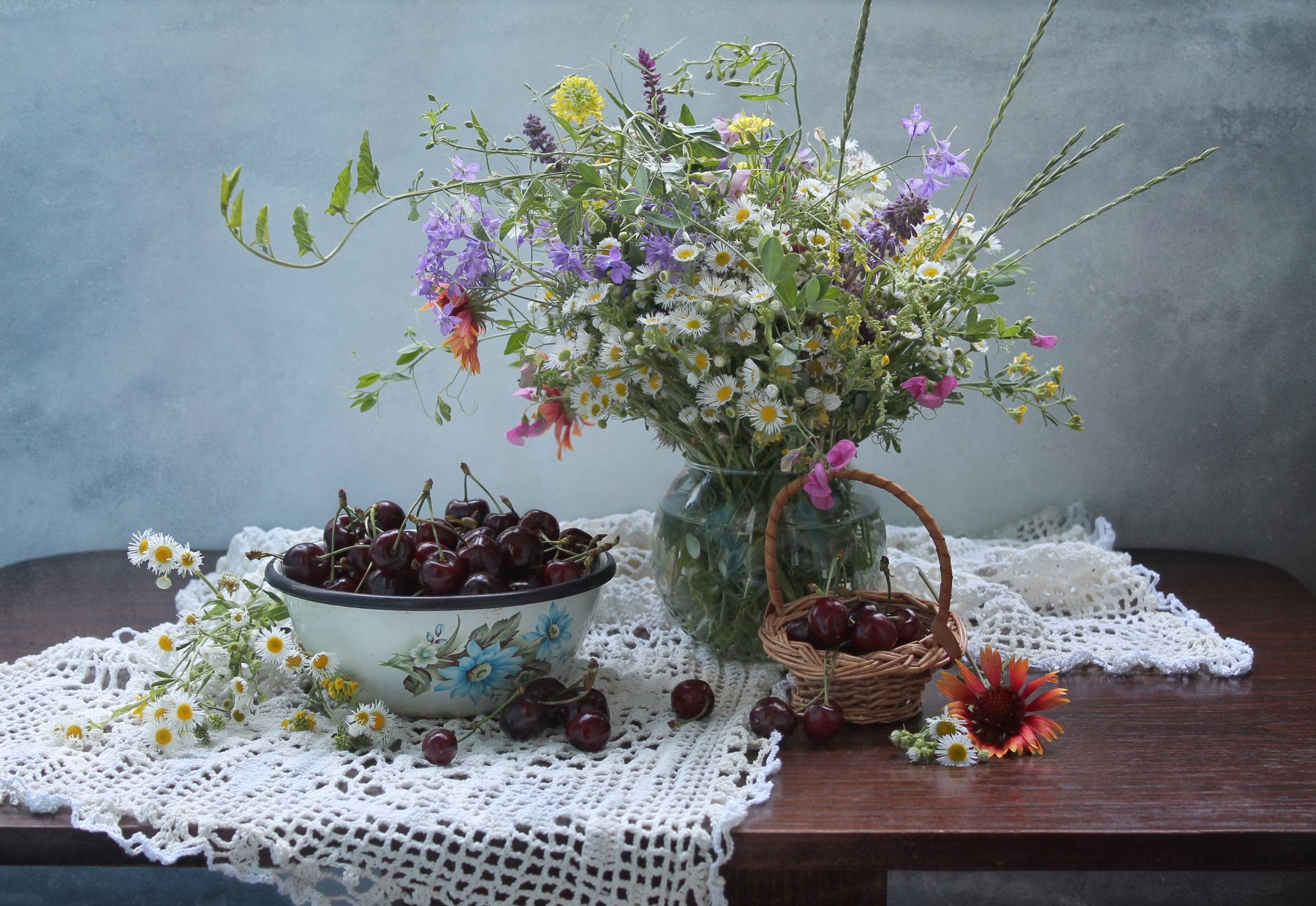 натюрморт, лето, черешня, полевые цветы, ковалева светлана, Ковалева Светлана