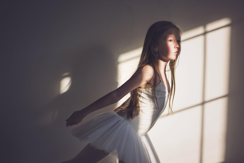 girl, portrait, natural light, ballerina, fly,, Anna Ścigaj