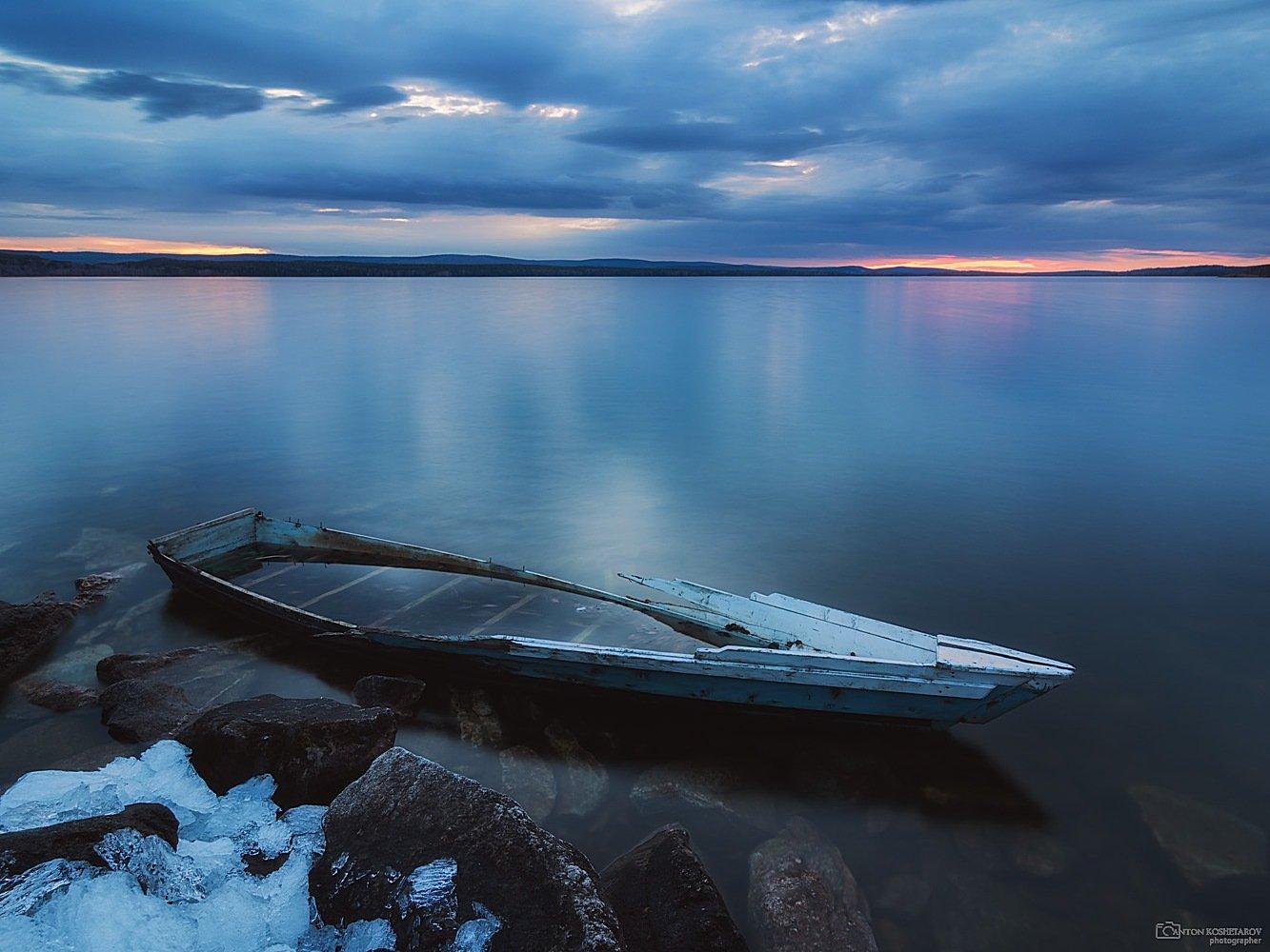 таватуй,лодка,закат,вода, небо, камни,отражение, Антон Кошетаров