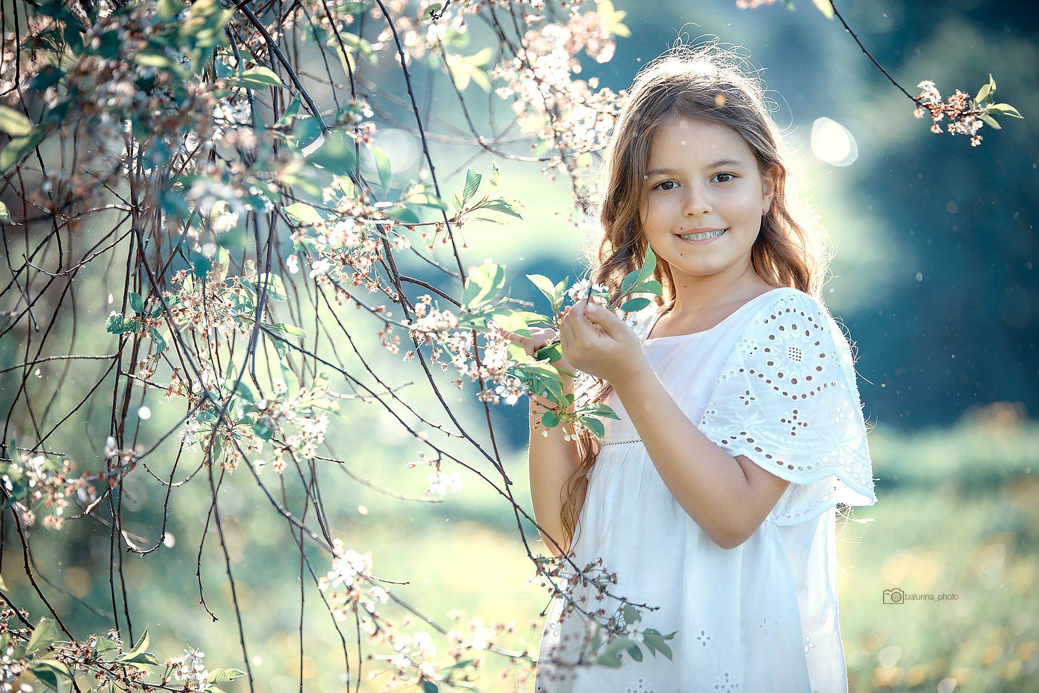 nikon spring garden girl cherry, Yulia