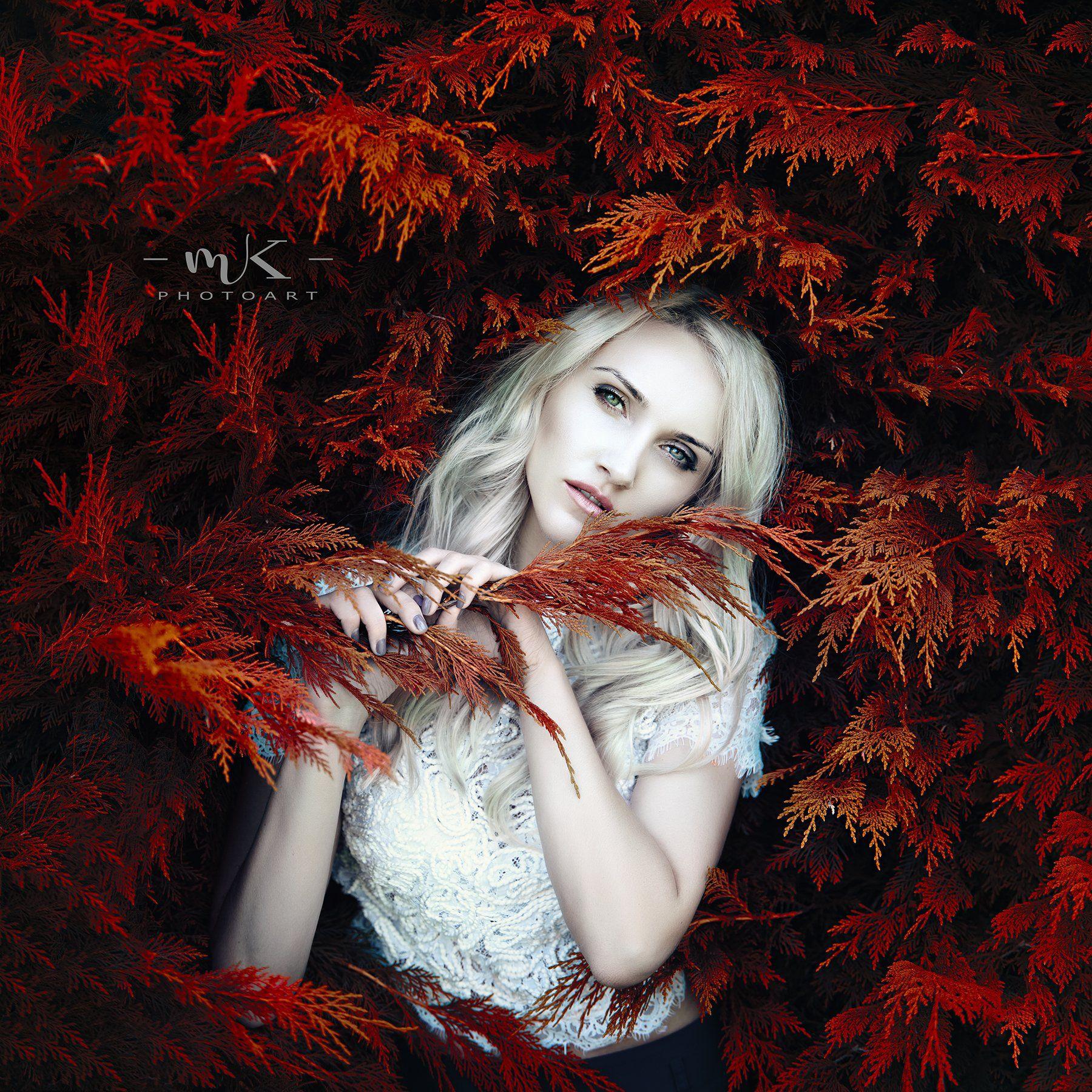lady , blond , eyes ,red, Marius Kalinauskas