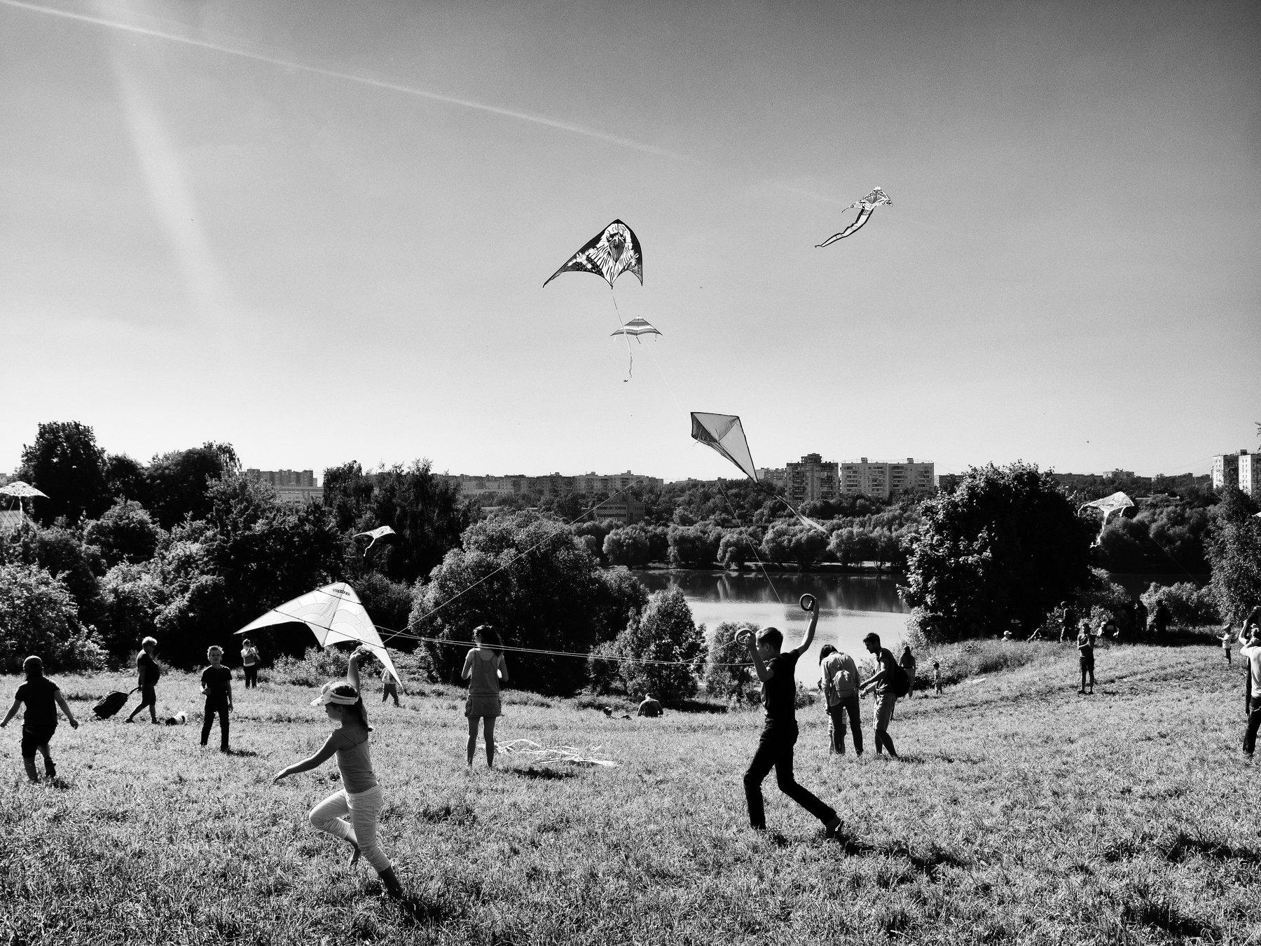 Moscow, Russia, Black and white, Monochrome, Kite, Pond, Summer, Children, Elena Beregatnova