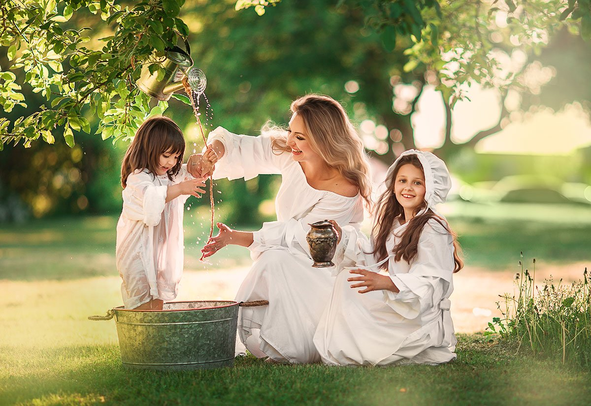 family, park, happy, outside, sunny, Alëna Romanovskaya