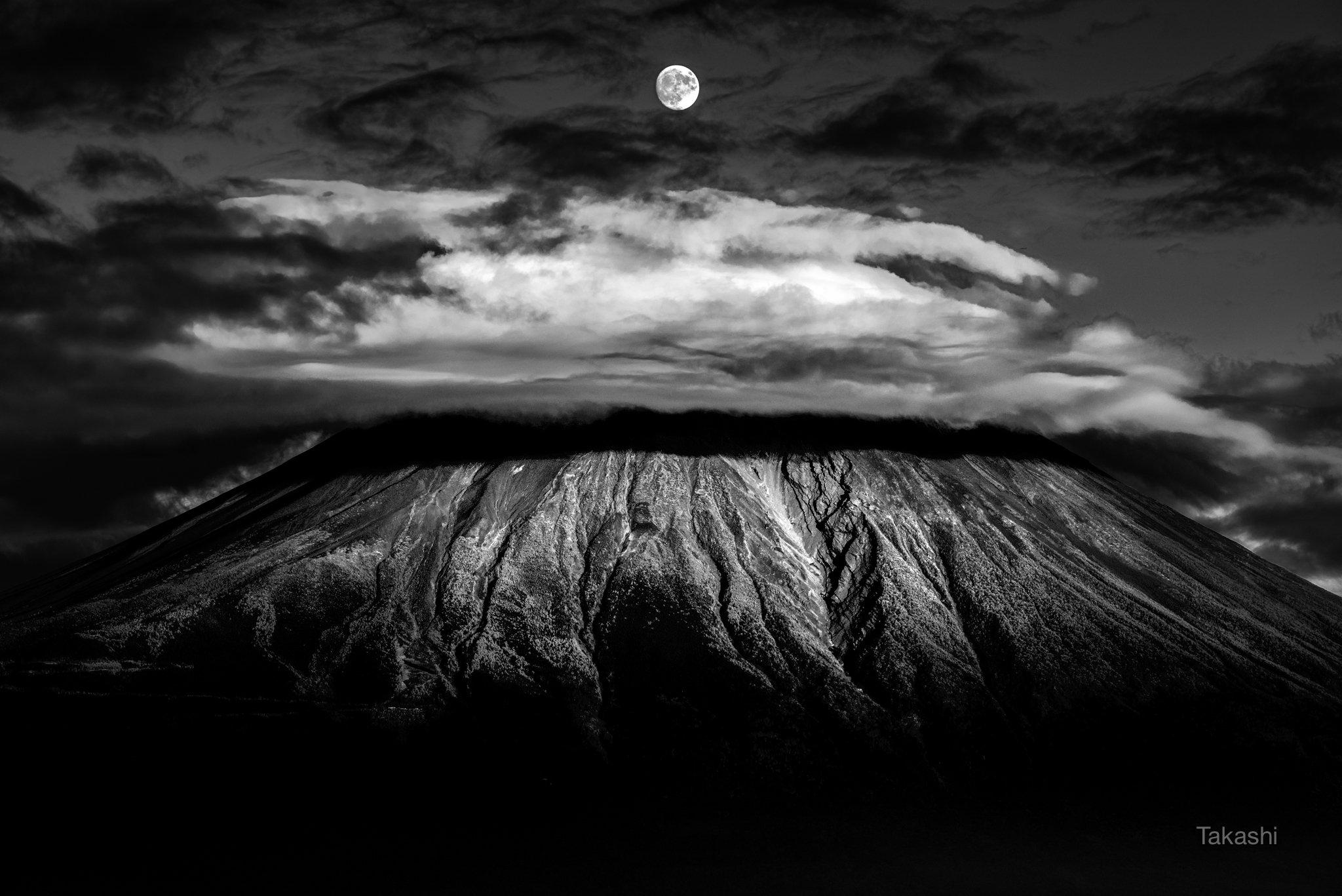 Fuji,Japan,mountain,moon,luna,cloud,sky, Takashi