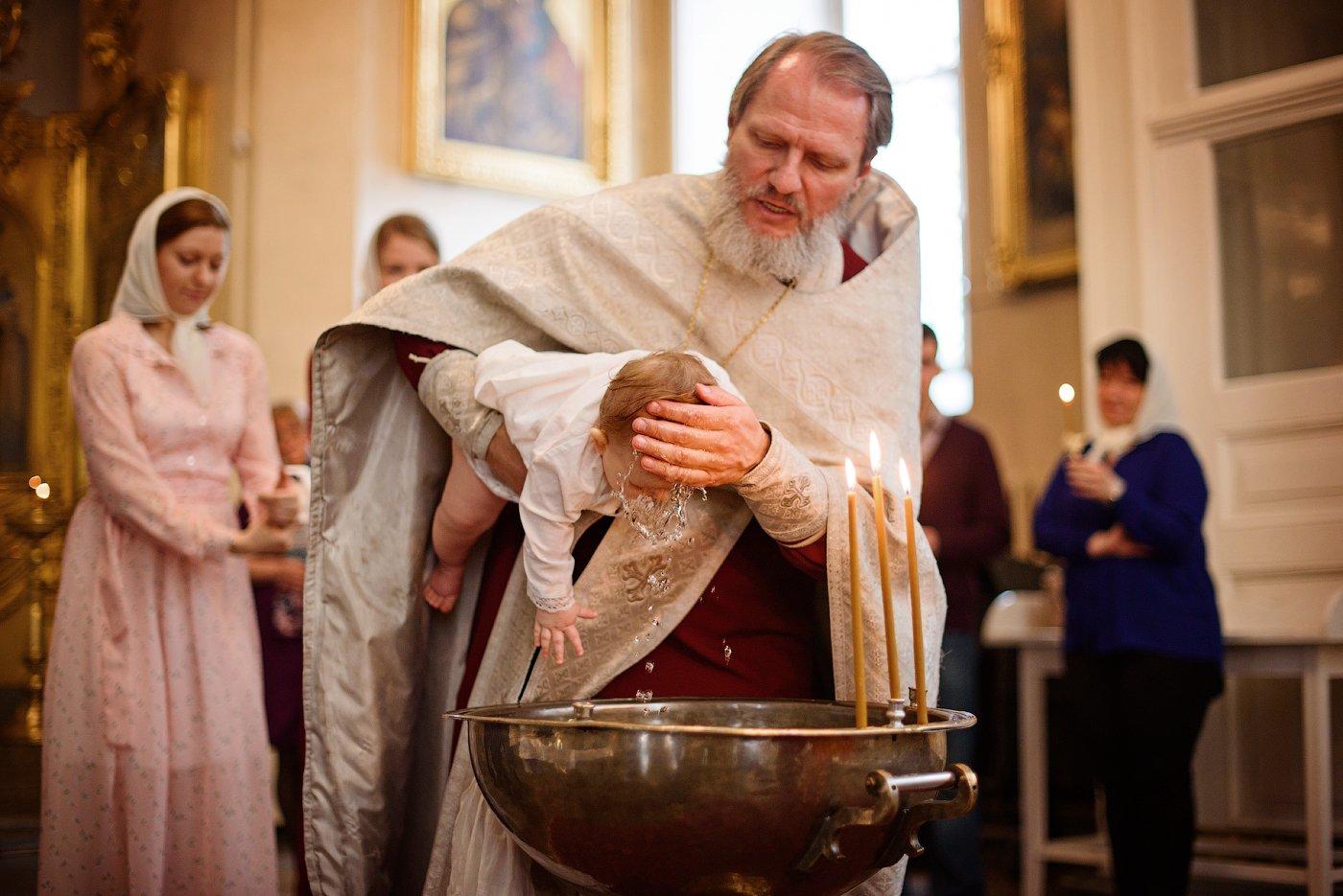 крещение, фотограф на крещение спб, таинство крещения, фотограф спб, церковь, таинство, Юлия Полуэктова