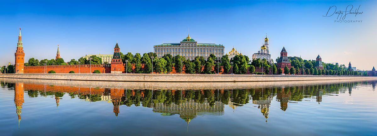 москва, кремль, утро, солнечное, лето, туризм, набережная, река,, Дмитрий Шишков