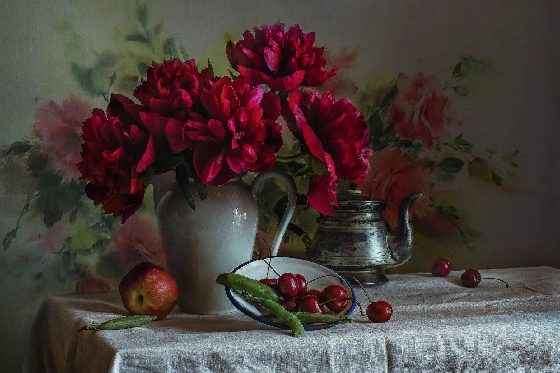 натюрморт, фарфор, цветы, пионы, ягода, черешня, Анна Петина