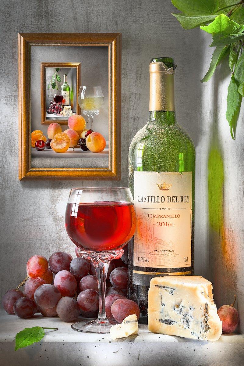самоповторяемость, рекурсия, вино, бокал, виноград, картинка в картинке, листва, зелёное стекло, бутылка, стекло на просвет, Tom Fincher