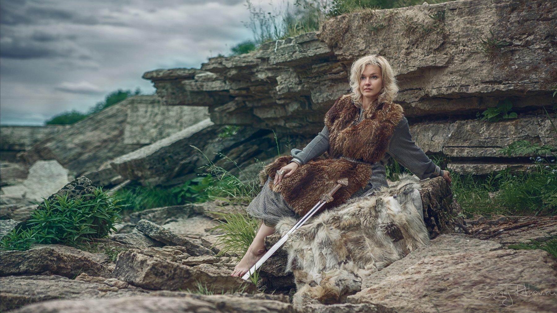 викинг, меч, воин, война, скалы, пасмурно, девушка, Сергей Рехов