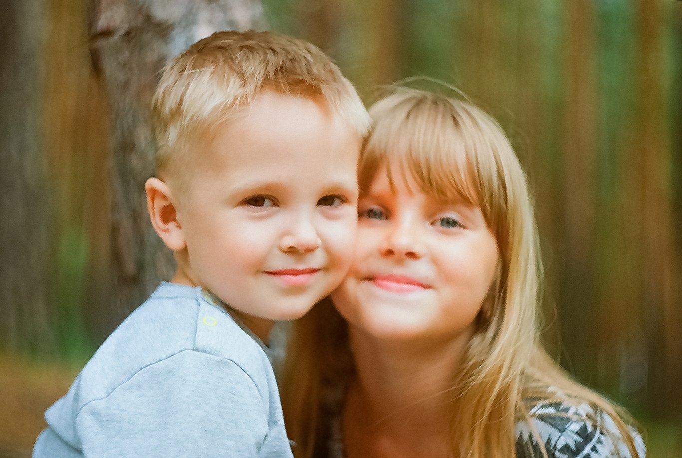 Прикольные, картинка сестра и брат