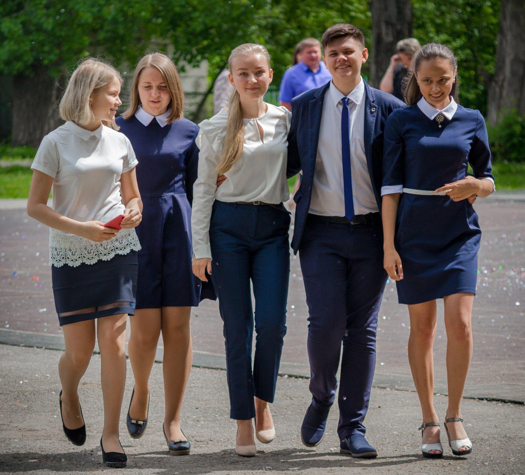 тинейджеры, школьники, ученики, последний звонок, школа, дети, Руслан Востриков