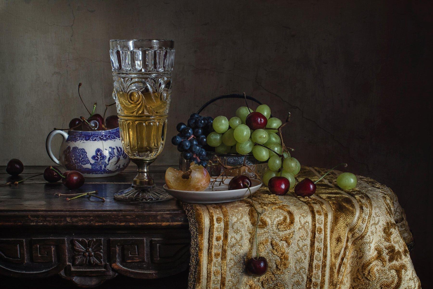 Вино и фрукты Анна Петина