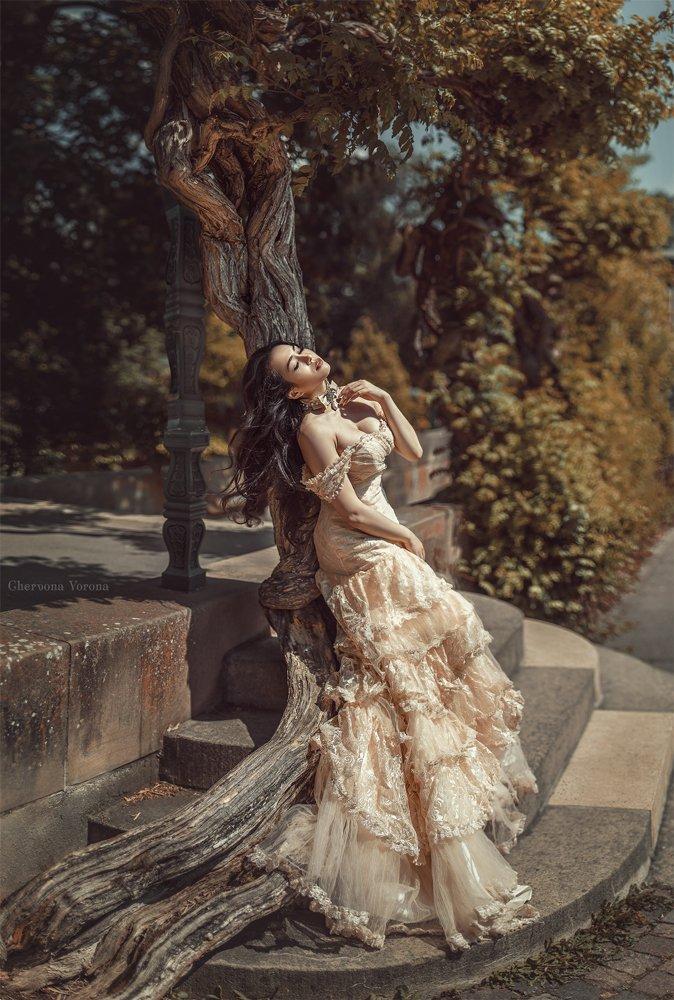 девушка, платье, солнце, парк, жара, кружева, брюнетка, , Червона Ворона