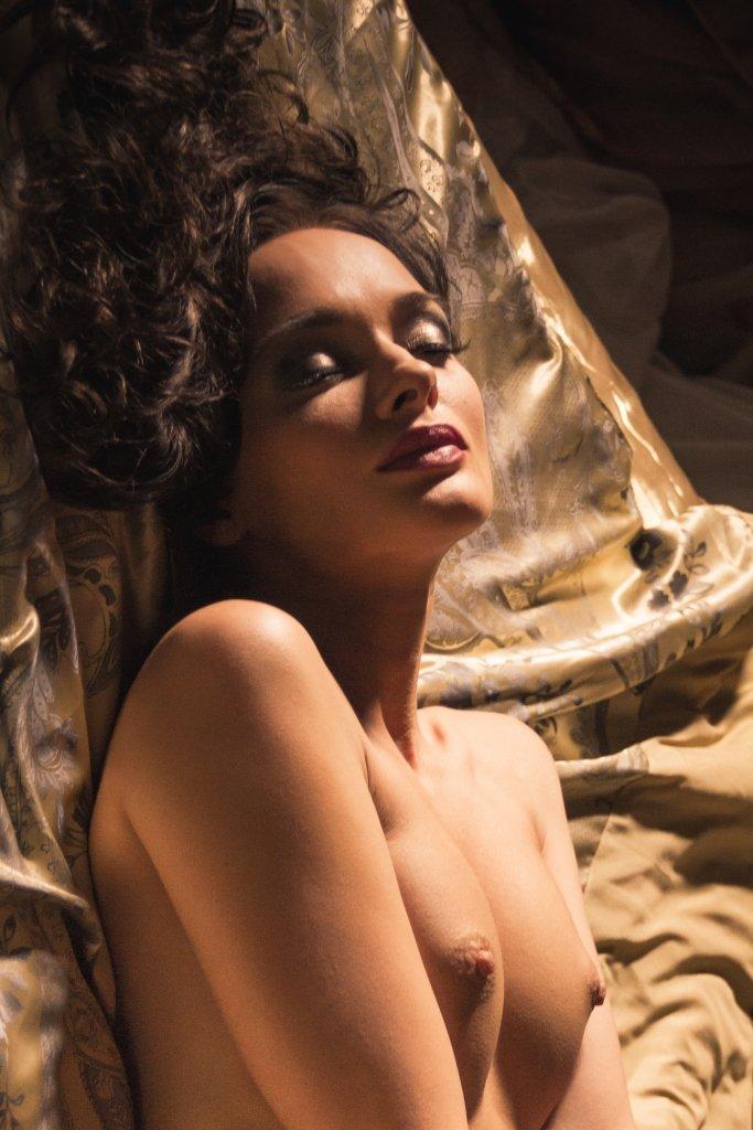 ню, nu, nude, nudeart, арт-ню, портрет, portrait, girl, девушка, обнажённая, грудь, кровать, будуар, мечты, Kirill Koshed