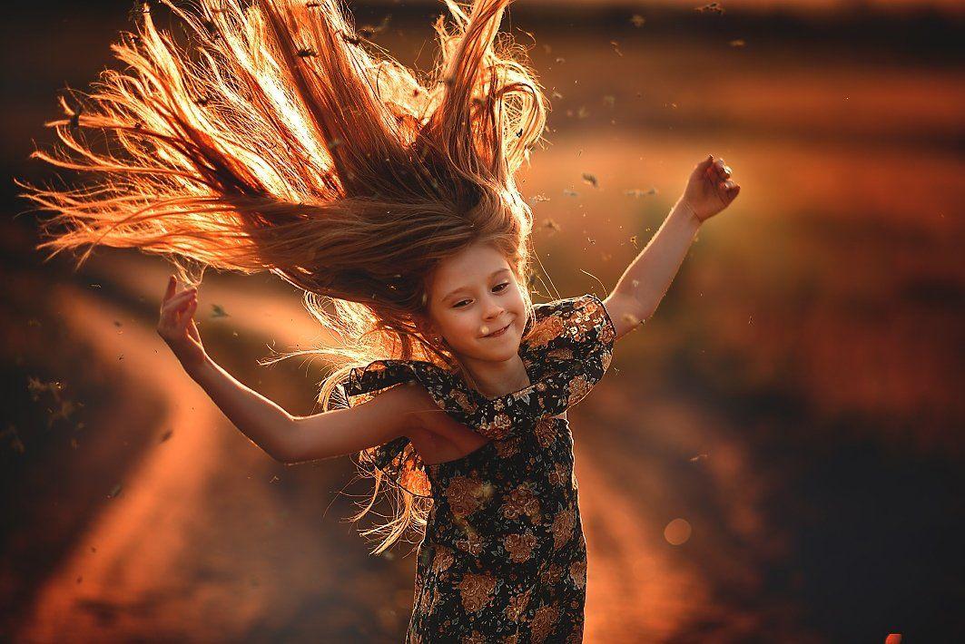 закатный свет, эмоции, девочка, девочка на закате, девочка с длинными волосами, Ганич Ирина