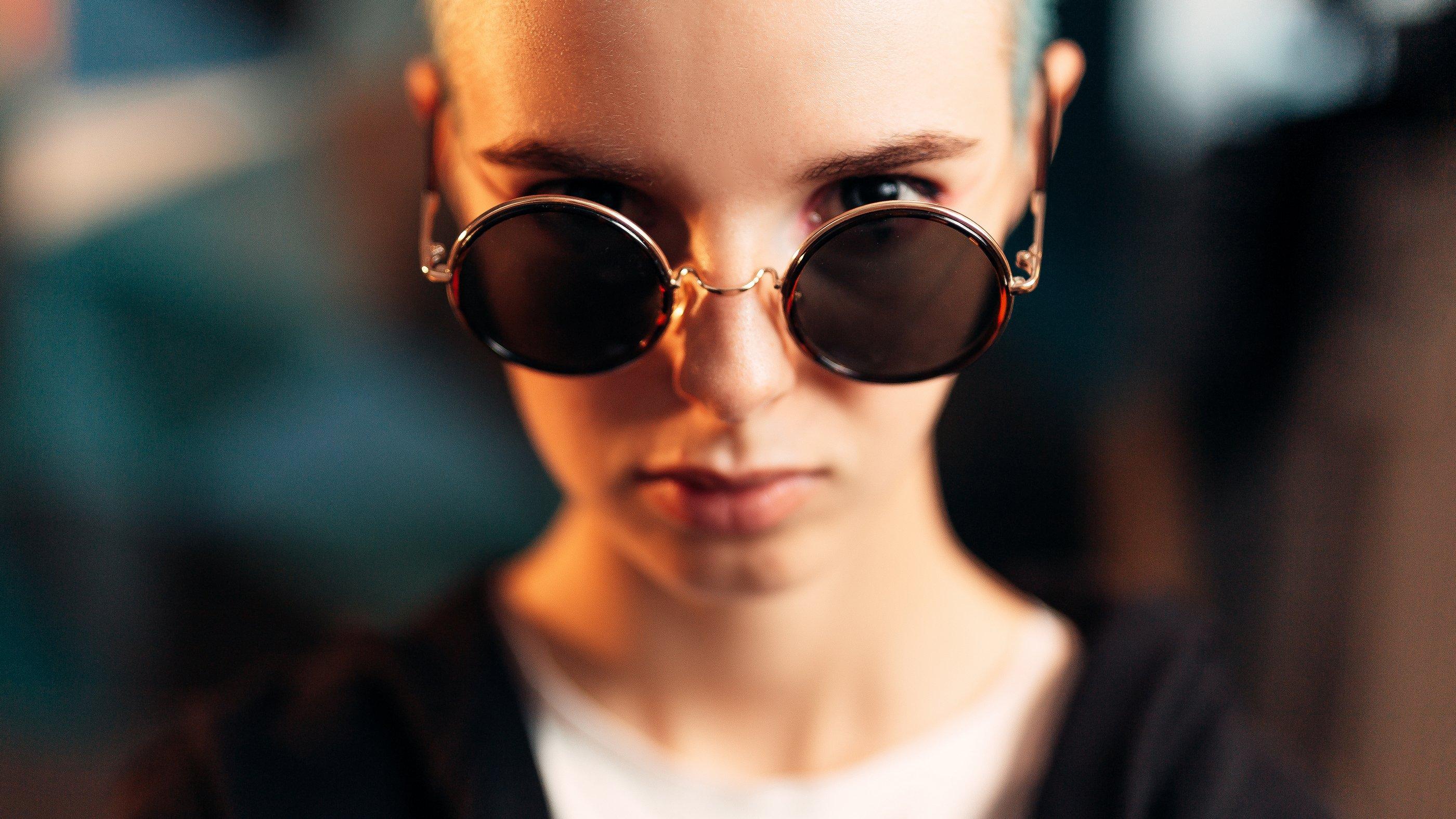 portrait, girl, people, color, eyes, light, девушка, studio, студия, портрет, head, свет, человек, эмоции, цвет, фотосессия,модель,красивая,молодая,прекрасная,взгляд,лицо, Иван Лосев