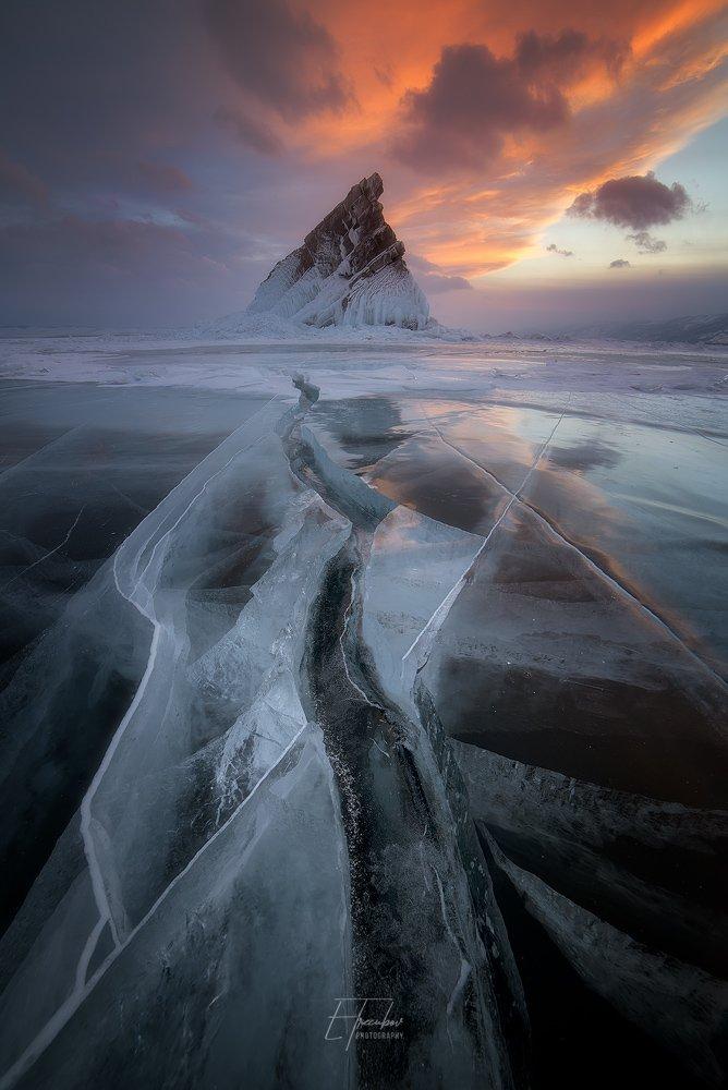 байкал, зима, лед, снег, облака, остров, закат, Евгений Трезубов