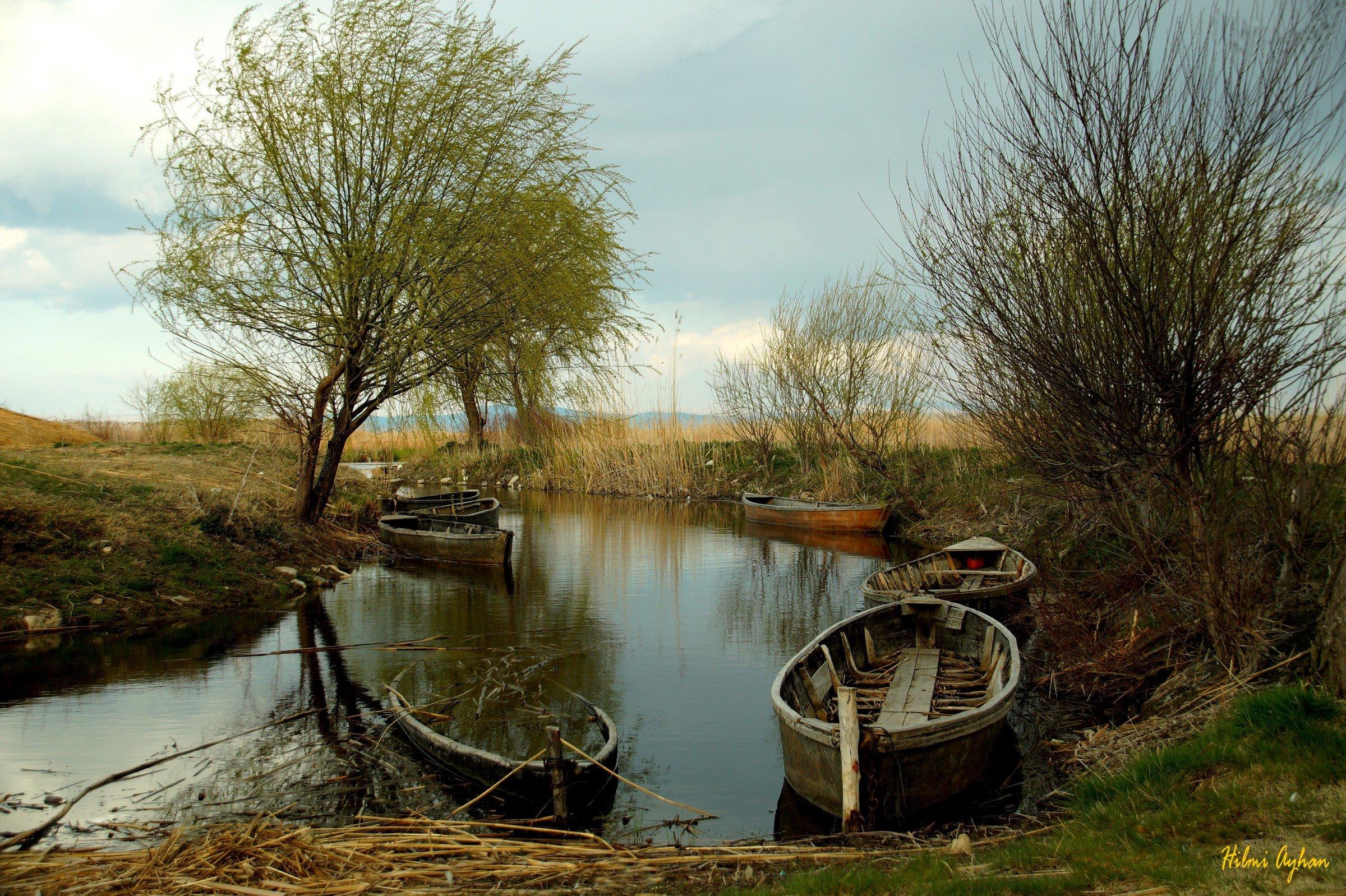 Eber Lake, Hilmi