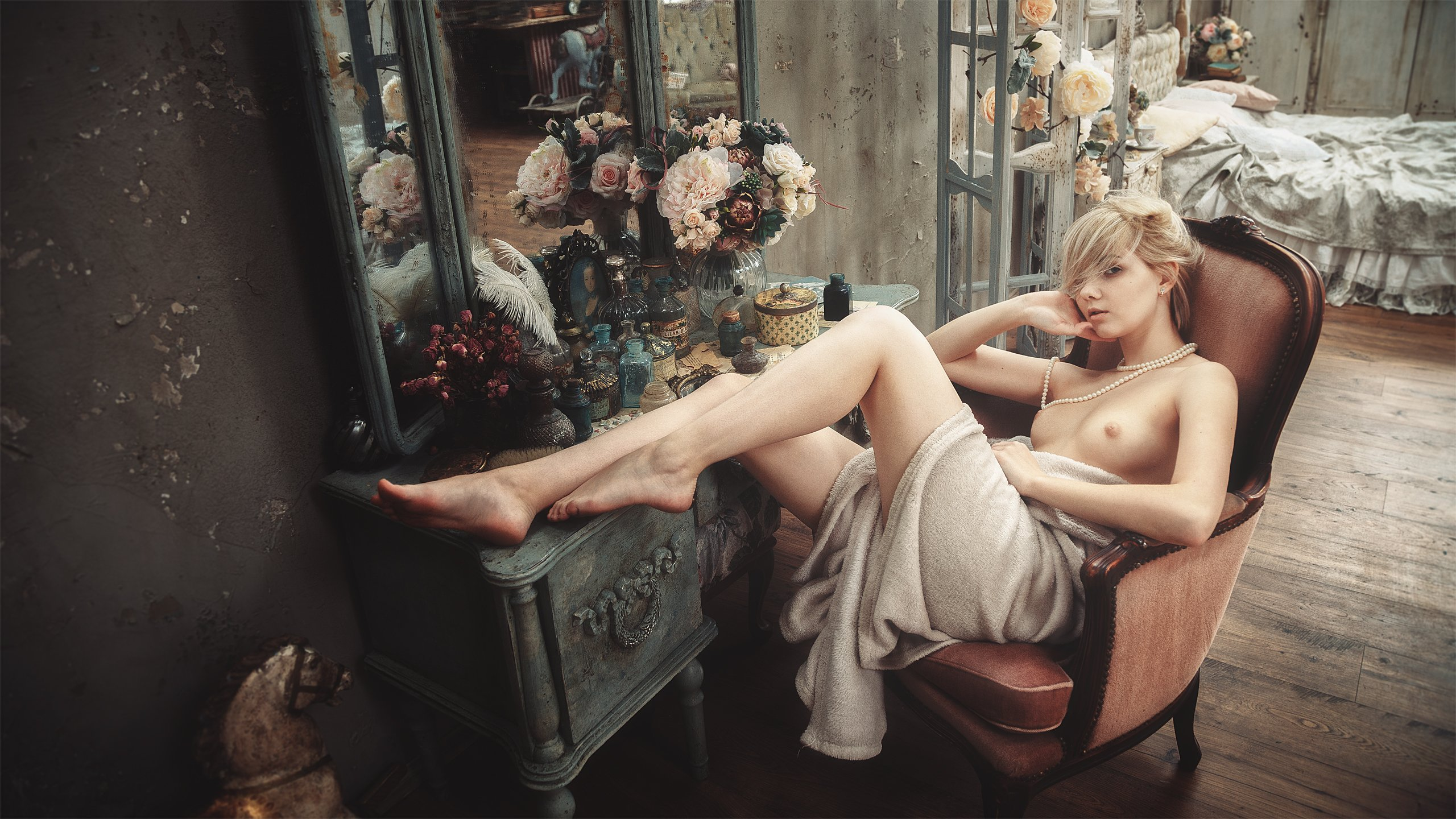 girl, portrait, mirror, makeup, cosmetics, chest, naked, retro, legs, flowers, bedroom, russia, Васильев Андрей