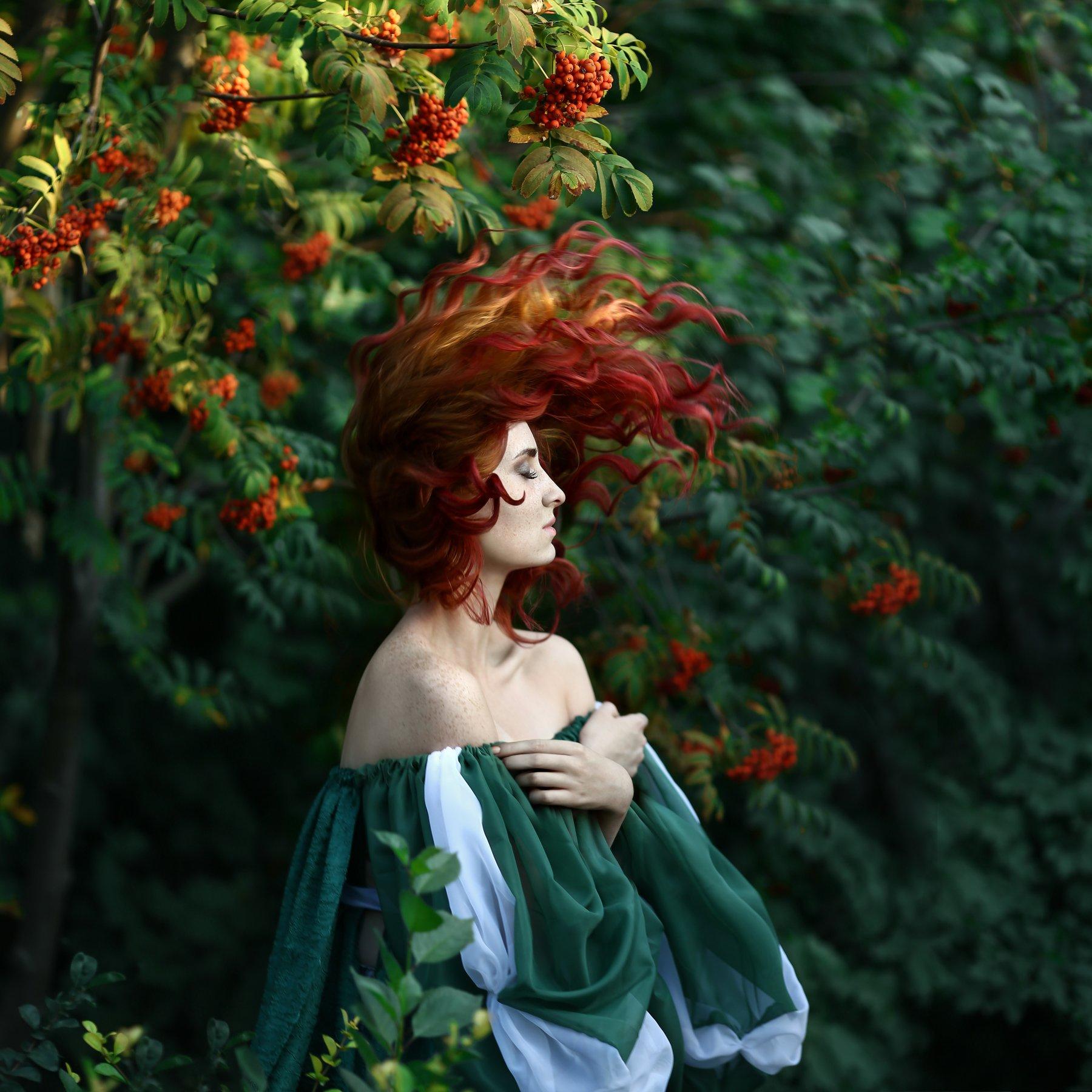рыжая, рыжая девушка, веснушки, девушка в веснушках, рябина, девушка в рябине, рыжая девушка в рябине, Ирина Голубятникова