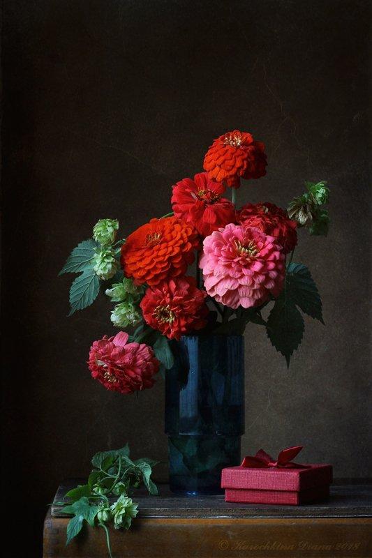 натюрморт, цветы, красный, цинии, хмель, Курочкина Диана