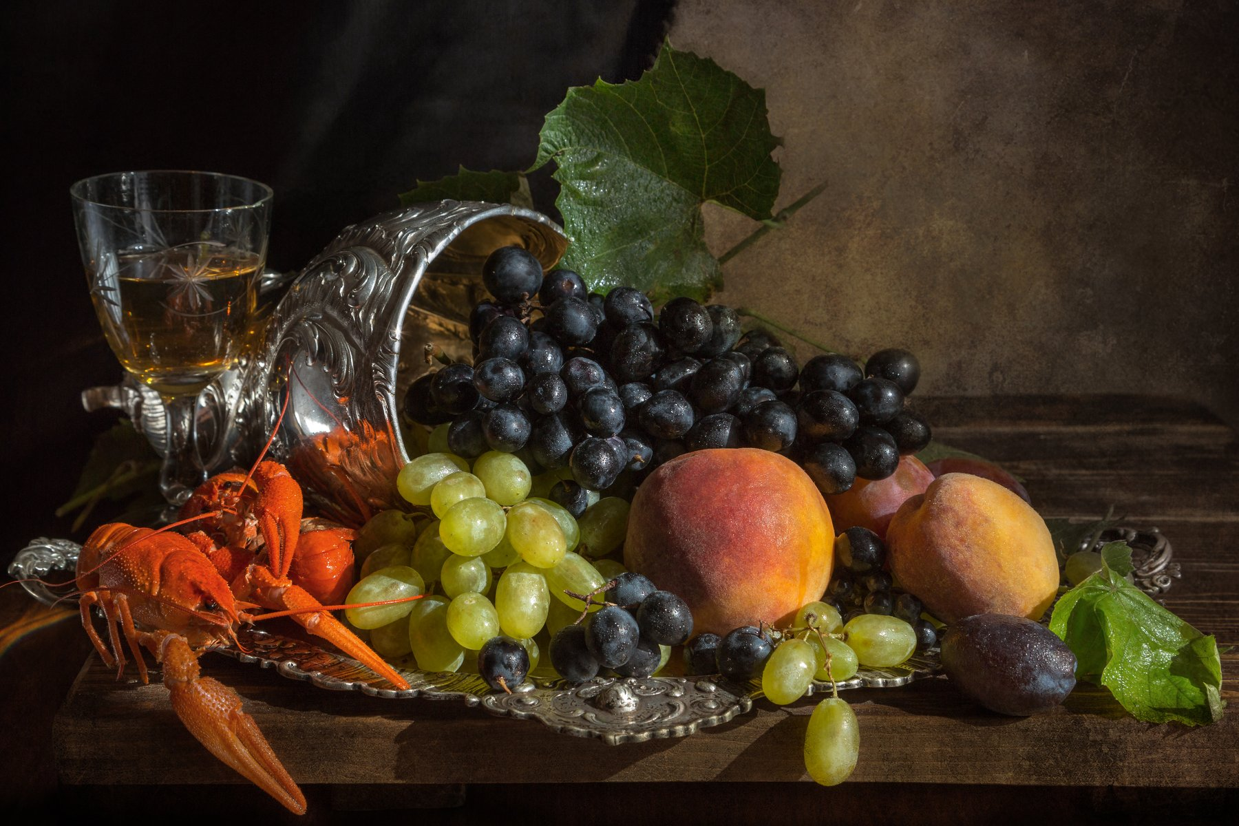 фото , цвет , натюрморт ,  фрукты , персик , виноград  , поднос , раки , ваза , серебро, Федотов Вадим(Vadius)