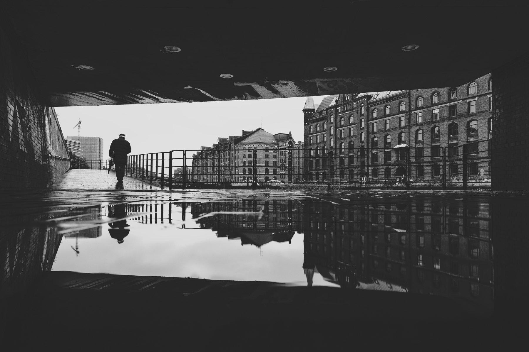 bridge man people street urban rain reflecion puddle umbrella, Alexander Schönberg