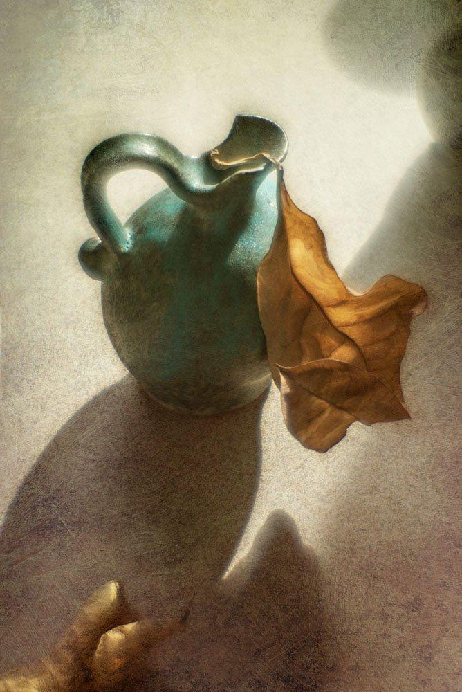 осенний, лист, сухой, упавший, кувшин, керамический, желтый, оранжевый, синий, свет, тени, стол, осень, теплый, акварель, Игорь Токарев