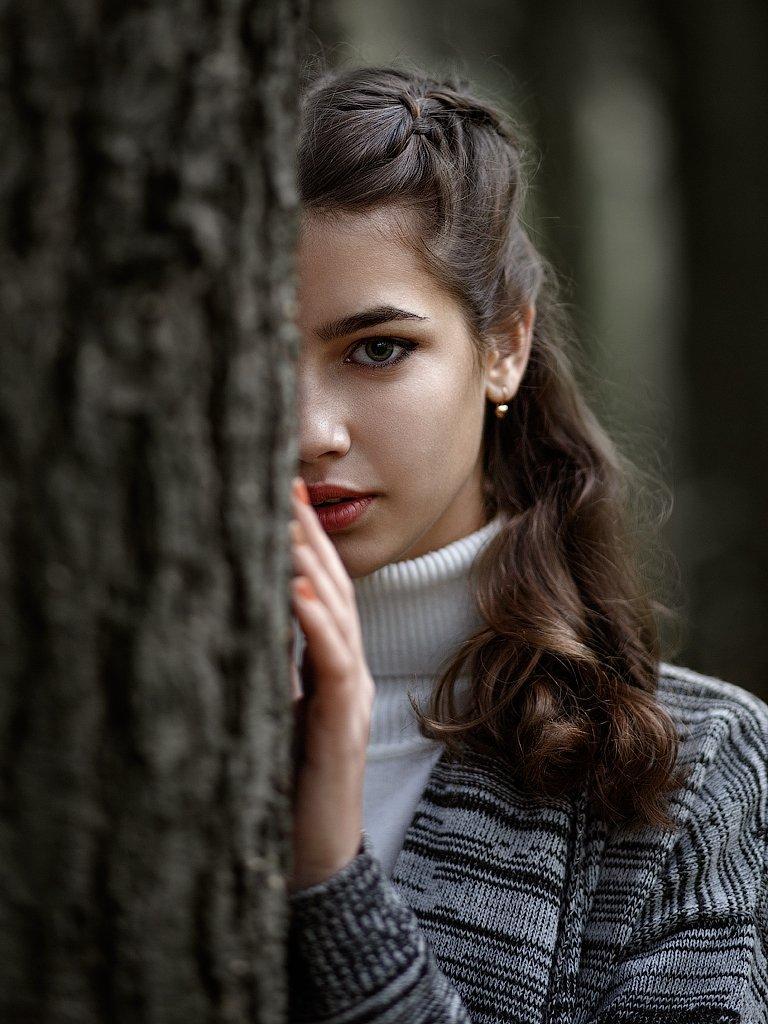 портрет девушка, Корнилов Михаил