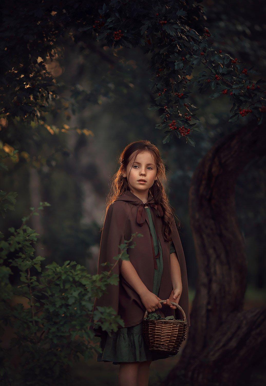 девушка, портретная фотосессия, фотосессия на природе, девочка, лес, girl, fall, autumn, forest, berry,green, Катрин Белоцерковская