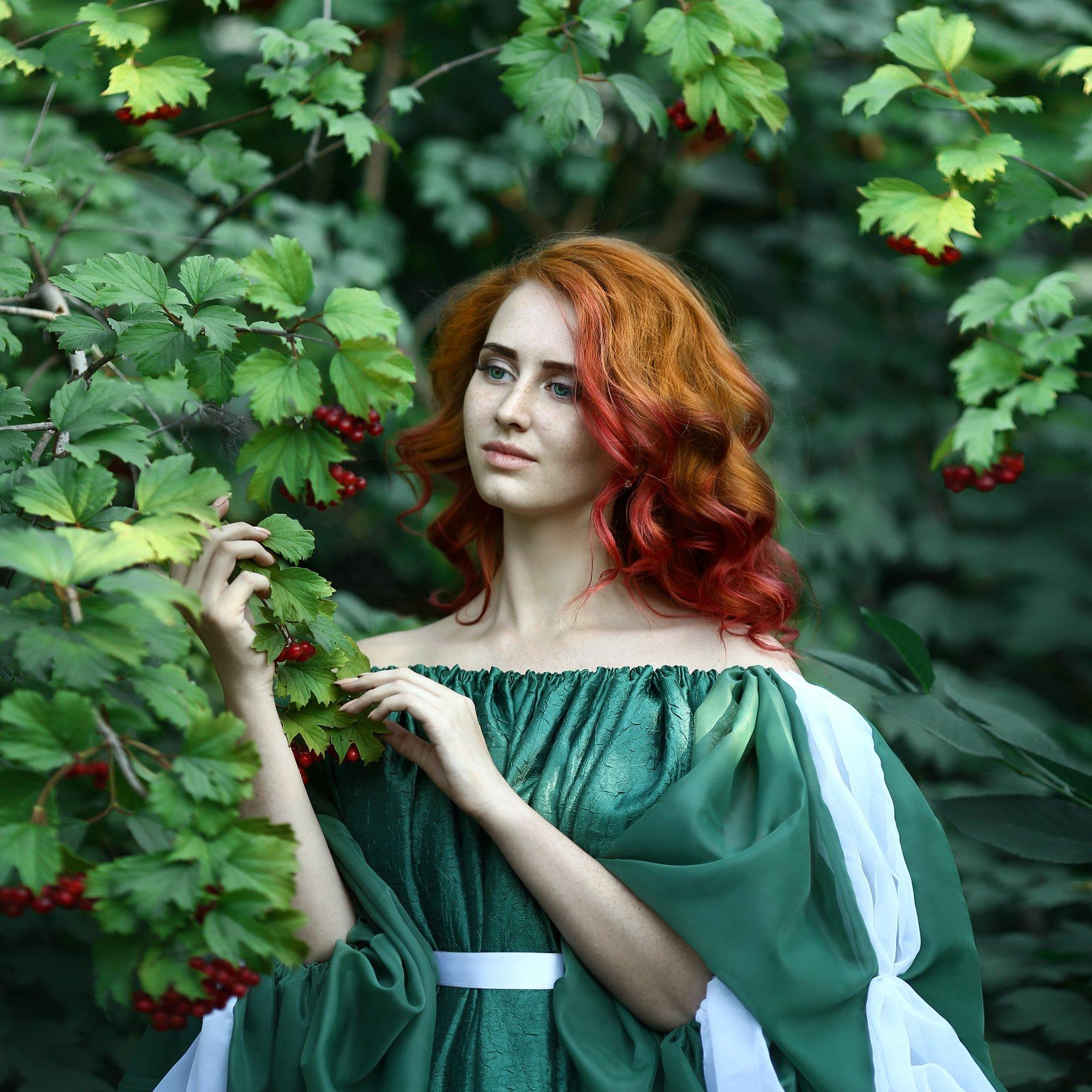 рыжая, рыжая девушка, рыжая девушка в рябине, Ирина Голубятникова