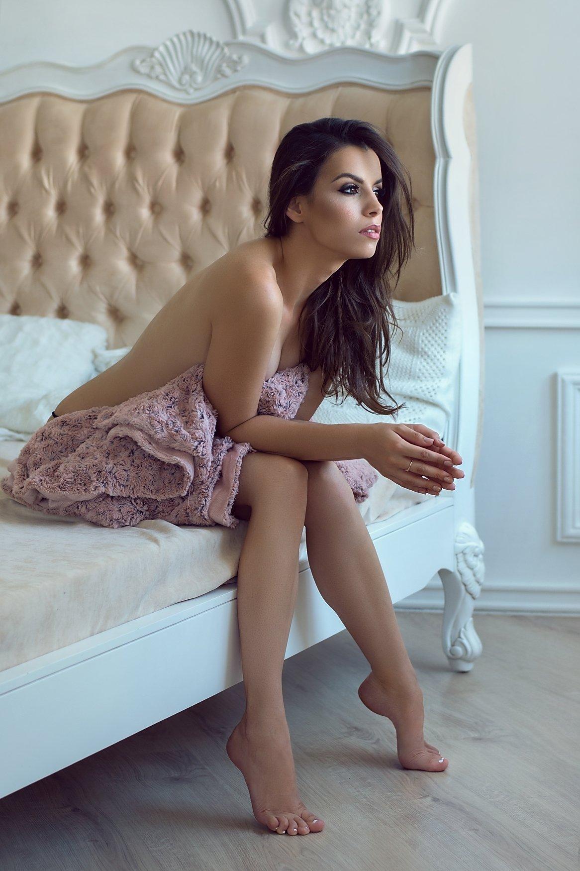 model, glamour, woman, female, colour, body, sexy, sensual,  curves, portrait, erotica,  fine art, implied nude, hair, fashion, fashion nude, portrait, bedroom, natural light, legs,, Lajos Csáki