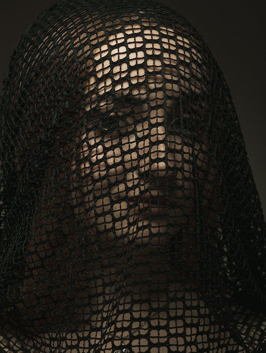 девушка, лицо, крупный портрет, сетка, классика, классический, Комарова Дарья
