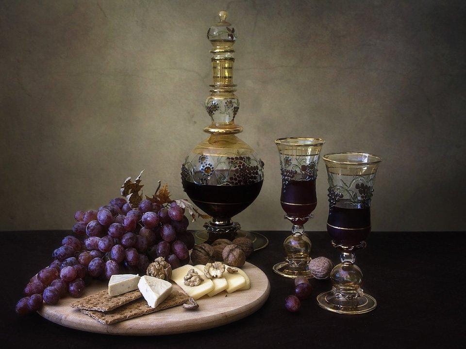 натюрморт, еда и напитки, вино, красивая посуда, виноград, сыр, орехи, Ирина Приходько