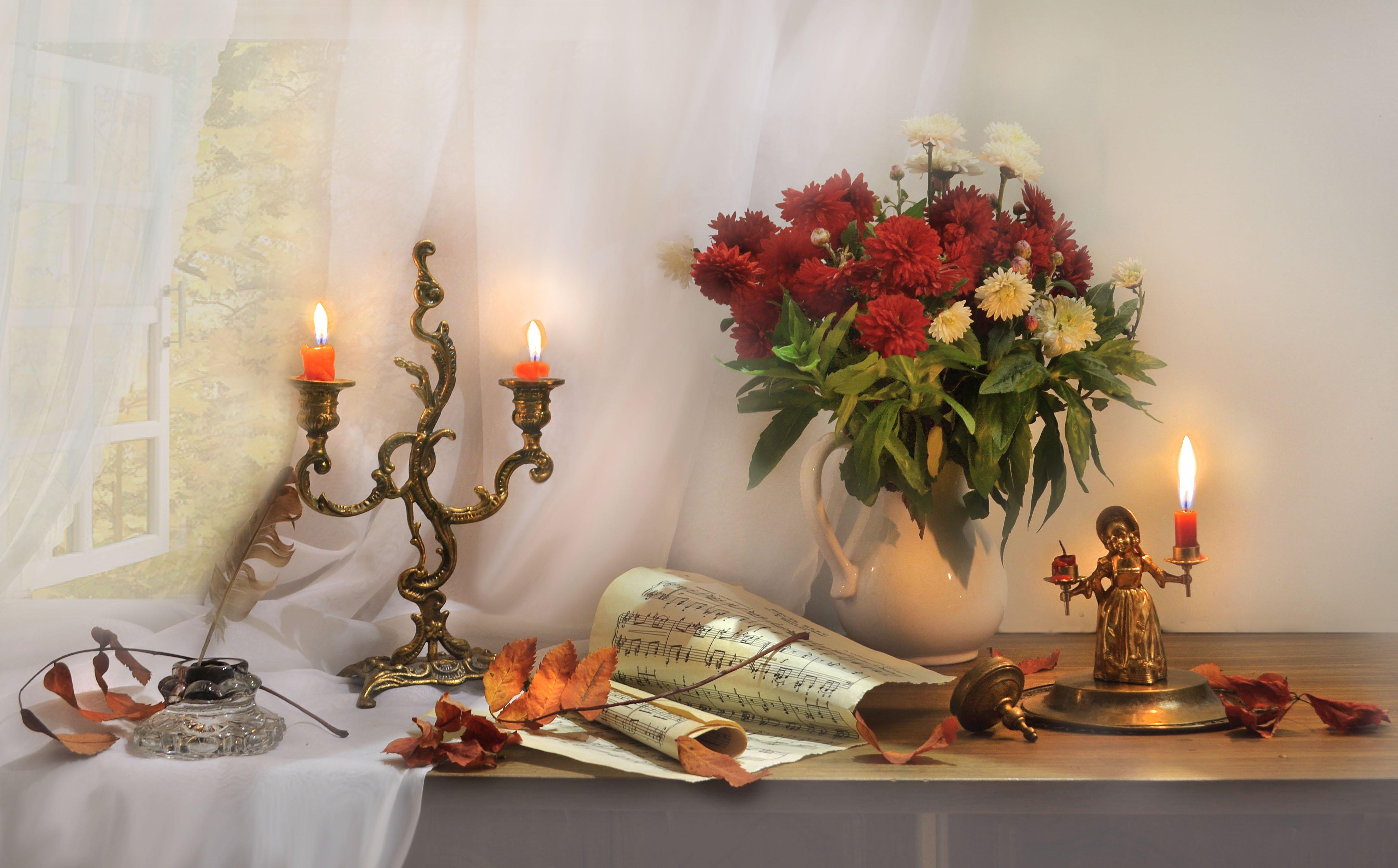 still life,натюрморт,фото натюрморт, осень, октябрь, свечи, подсвечник, ноты, листья, цветы, хризантемы, Колова Валентина