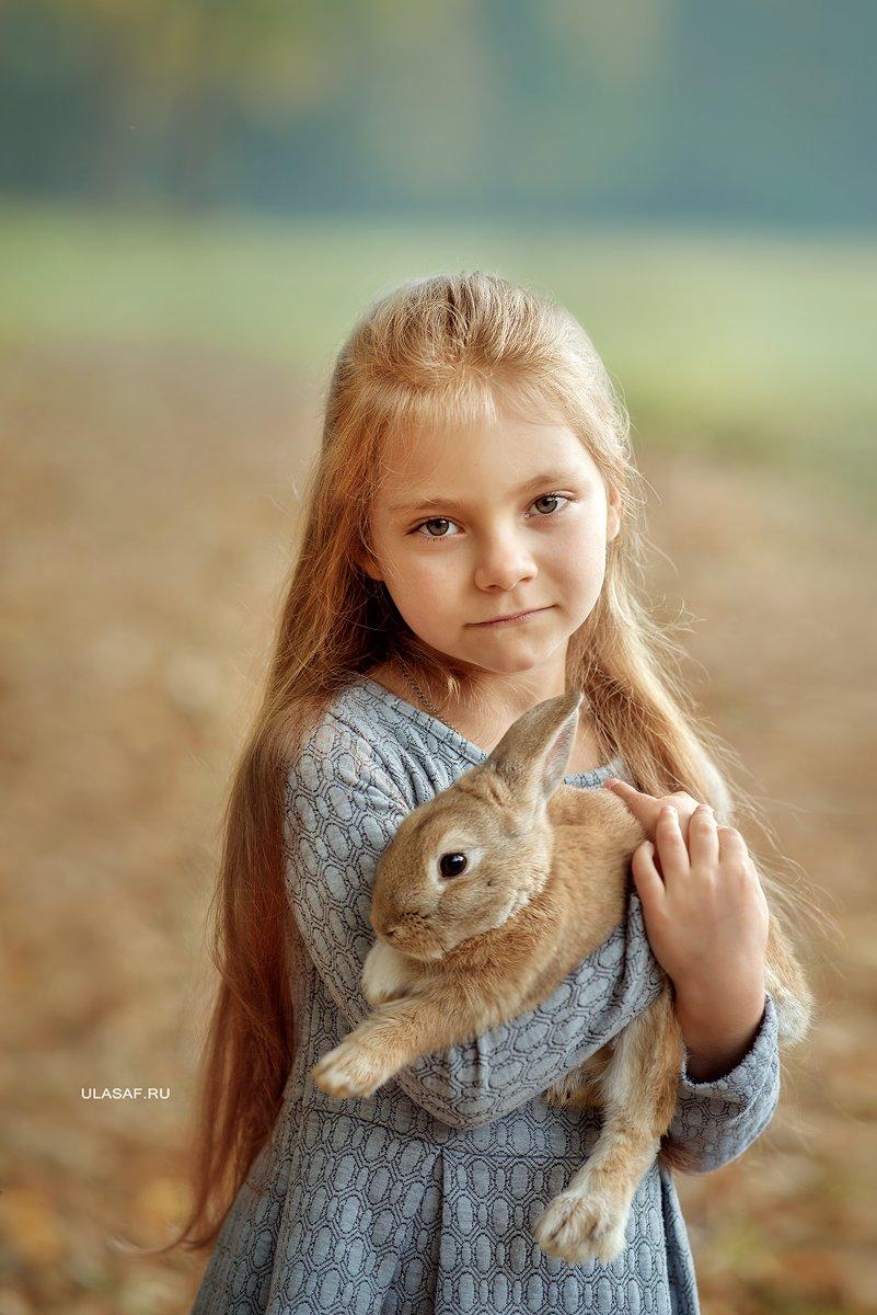 портрет, осень, девочка, girl, кролик, животные, солнышко, друзья, лучи, happy, happiness, сказка, волшебство, rabbit, autumn, грусть,, Юлия Сафонова