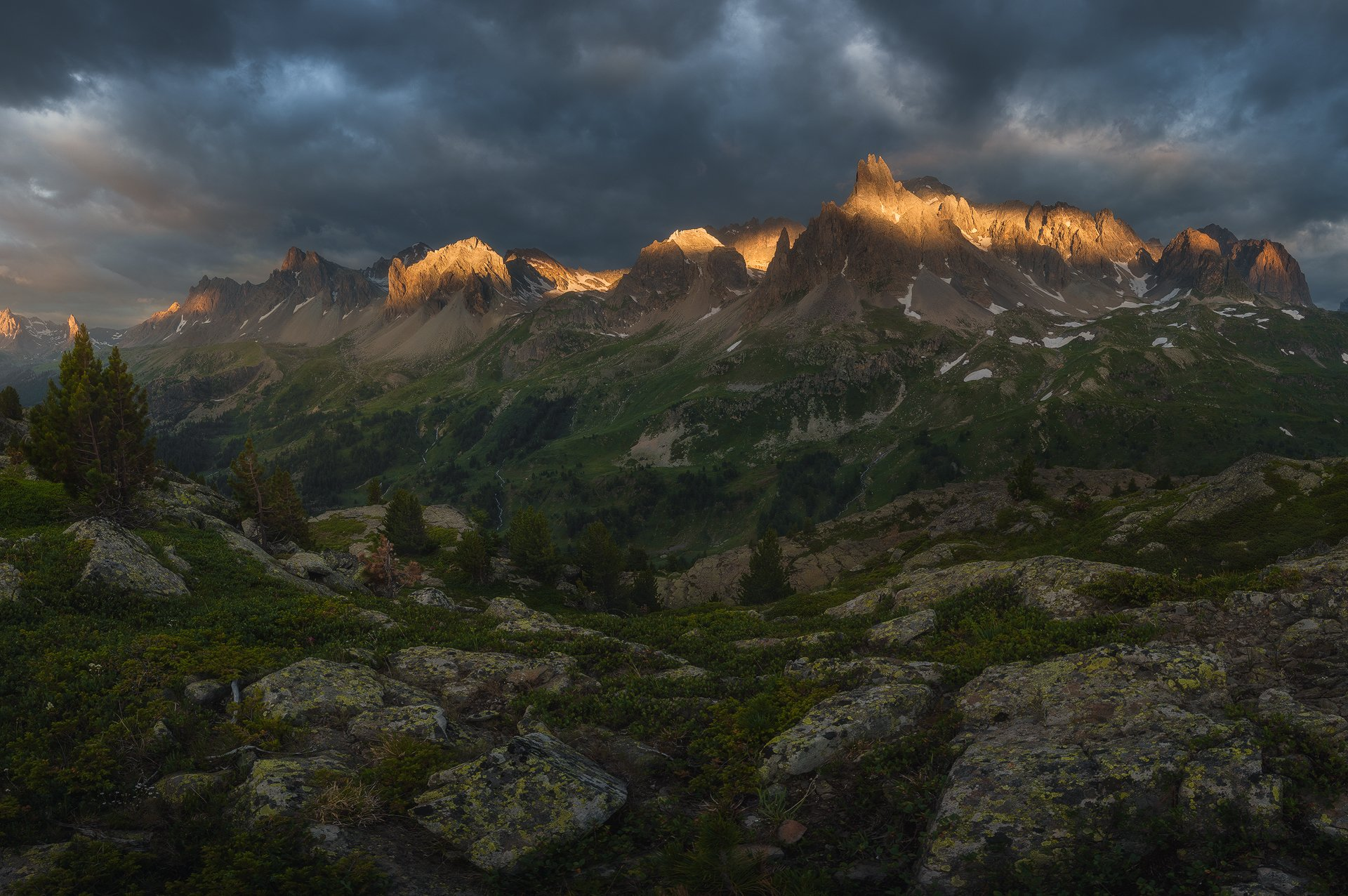 #france, #mountains, #sunrise, #alps, #travel, #sky, #epic_light, #safarphoto, #valley, #turism, #landscape, l#национальный, #парк, #пейзаж, #пейзажная, #фотография, #красивое, #небо, #горы, #путешествие, #туризм#отдых, #рассвет, #франция, #альпы, Бахышев Сафар